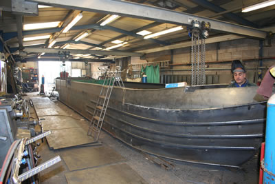 Steel narrowboat shell